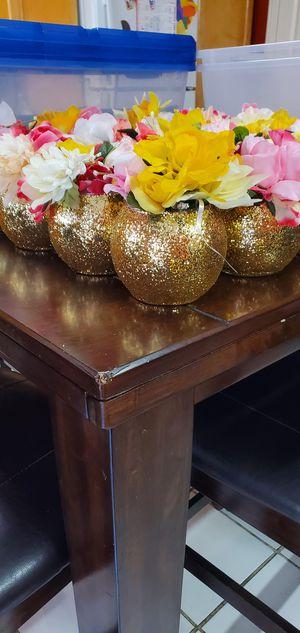 Golden centerpiece vase for Sale in Garden Grove, CA