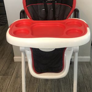 Hello Kitty High Chair for Sale in Phoenix, AZ