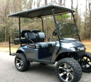 Price$1OOO 𝐄𝐙-𝐆𝐎 𝐓𝐗𝐓 2016 electric golf cart for Sale in Williamsport, PA