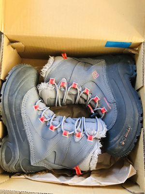 Girls Columbia Size 2 Winter Boots for Sale in Amherst, NH