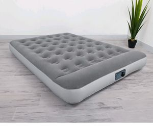 """QueenBestway 12"""" Air Mattress with Built in Ac Pump for Sale in Bakersfield, CA"""