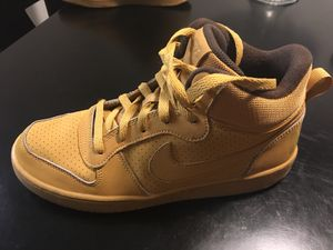 BROWN TAN NIKE'S !!! for Sale in Las Vegas, NV