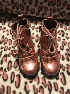 Toddler Girls GAP glitter boots size 7 for Sale in Chula Vista, CA