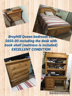 Queen size bedroom set OBO for Sale in Miami, FL
