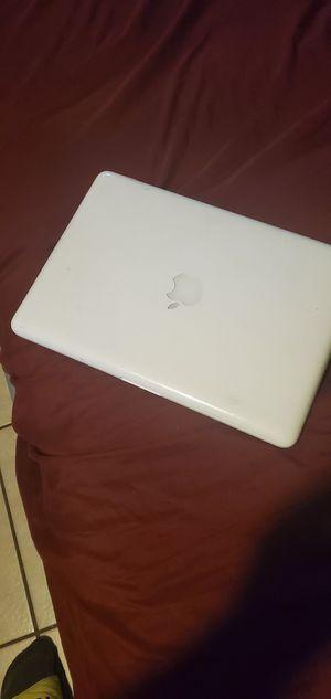 Macbook 2010 or 2009 model (read description) for Sale in Los Angeles, CA