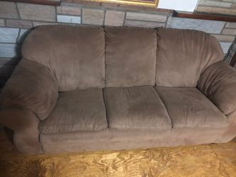 Brown couch for Sale in Collinsville,  IL