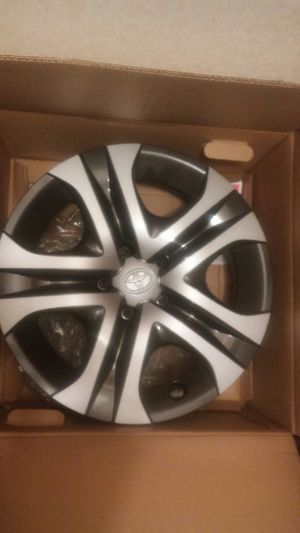Toyota 2018 Steel Wheels and Hubcaps Rav 4 for Sale in Anderson, SC