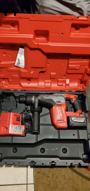 Milwaukee M18 FUEL 18-Volt Lithium-Ion Brushless Cordless 1 9/16 in. SDS-Max Rotary Hammer Kit W/ (1) 9.0Ah Battery, Hard Case for Sale in Bell Gardens, CA