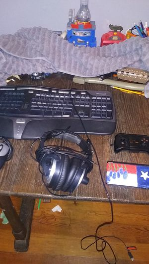 microsoft keyboard computer mouse nentendo ds and a moga phone controller for Sale in Brackettville, TX