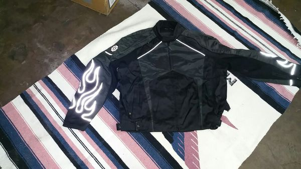 First gear motorcycle jacket 2xl.