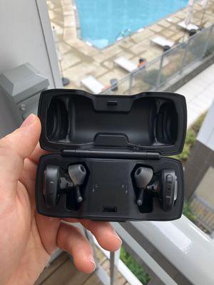 Bose wireless headphones for Sale in Herndon, VA