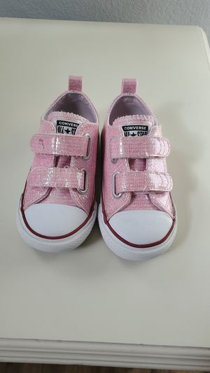 Toddler Girl Converse Glitter shoes size 7C for Sale in Alta Loma, CA
