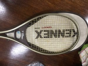 KENNEX PRO TENNIS RACKET for Sale in Los Angeles, CA