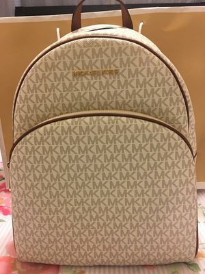 New Authentic Michael Kors Backpack for Sale in Bellflower, CA