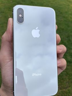 iPhone Xs 64gbs AT&T And Cricket! for Sale in Portland,  OR