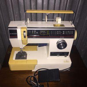 Singer sewing machine for Sale in Hyattsville, MD