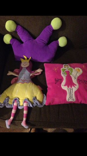 (3) pillows for Sale in Rancho Cucamonga, CA