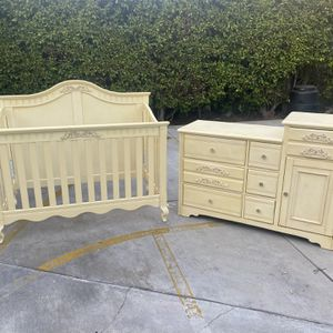 Convertible Crib to Full with Armoire and 2 Changing Tables for Sale in Burbank, CA