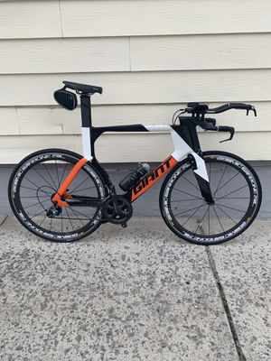 Full carbon Giant Trinity Size L with Mavic Cosmic carbone wheels for Sale in Queens, NY