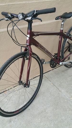 TREK HYBRID ROAD BIKE SIZE MEDIUM WHEELS 700C for Sale in Los Angeles, CA
