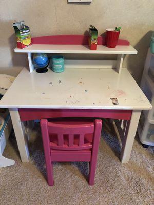 Wood children's desk for Sale in Glendale, AZ
