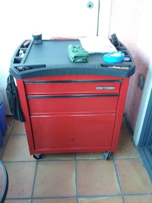 Craftsman rolling tool box for Sale in Los Angeles, CA