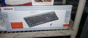 BRAND NEW PRO KEYBOARD 7 SPEEDS ADJUSTABLE. for Sale in Whitehall, OH