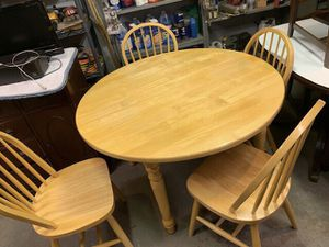 Round Kitchen or Dining Table with Four Chairs for Sale in Freedom, PA