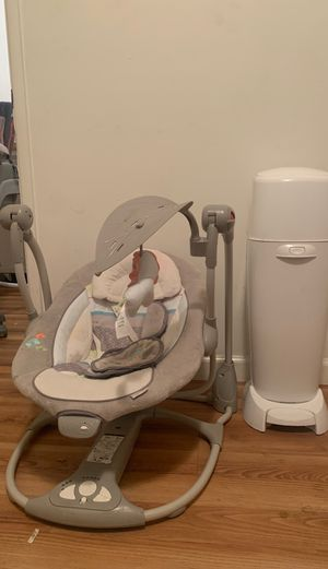 Baby Swing And Diaper Genie for Sale in Lakewood, CA