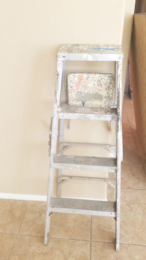 48 inch metal ladder for Sale in Temecula, CA