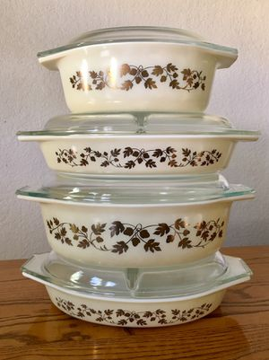 Large Vintage Pyrex Golden Acorn, Thanksgiving/Holiday set for Sale in Pasadena, CA