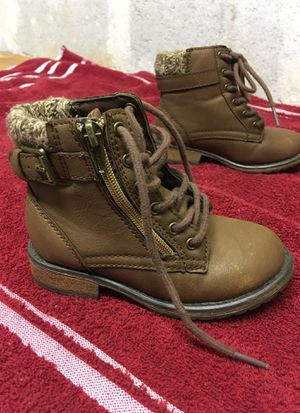 Kids Girl Boots Size 9 for Sale in Austell, GA