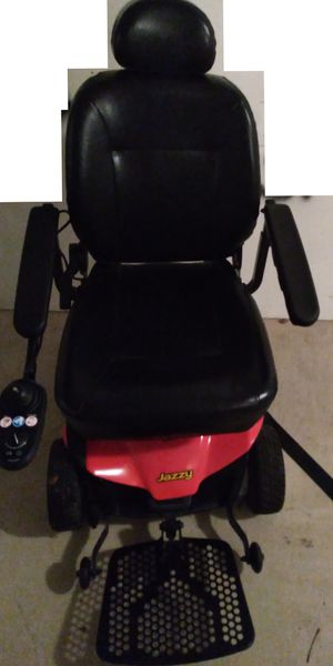 Jazzy Select Elite mobility chair deluxe indoor/outdoor for Sale in Foley, AL