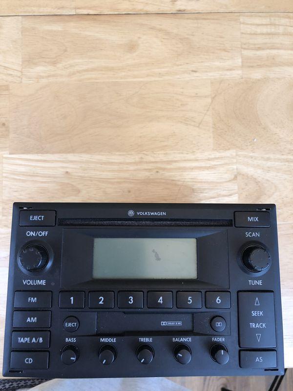 Genuine Volkswagen radio (great condition)