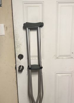 "Crutches 5'10"" - 6'6"" Free for Sale in Ontario,  CA"