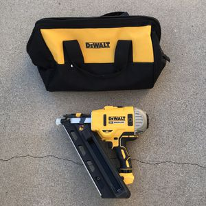 DEWALT 20-Volt MAX XR Lithium-Ion Cordless Brushless 2-Speed 30° Paper Collated Framing Nailer (Tool-Only) for Sale in Phoenix, AZ