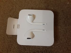 iPhone headphones not wireless for Sale in Audubon, PA