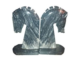 """Marble & Stone 7.5"""" Horse Head bookend set. Base is 4"""" wide. RARE FIND. Good vintage condition. Weight: 6.5lbs set. SHIPPING ONLY for Sale in Colorado Springs, CO"""