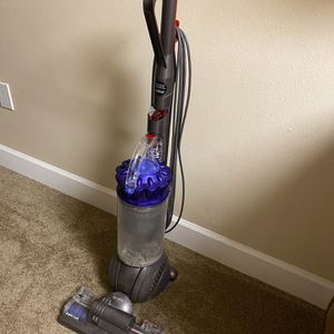 Dyson animal Ball 2 Upright vacuum for Sale in Port Richey, FL