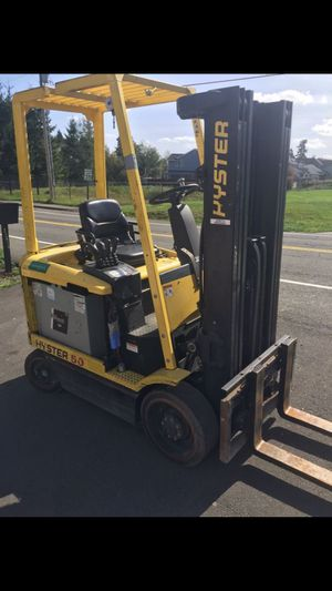 Hyster 5000lbs 3 stage forklift with side shift for Sale in Kent, WA