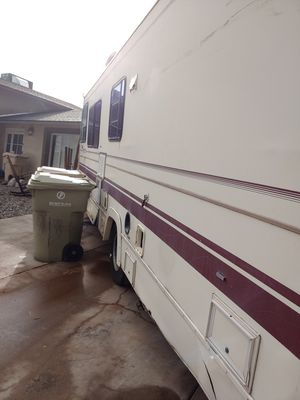 RV for sale needs some work windshield is needed got cost 700.00. 2500.00 or best offer for Sale in Glendale, AZ