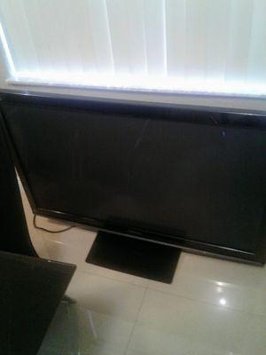 "TV PANASONIC 45"" for Sale in Hialeah, FL"