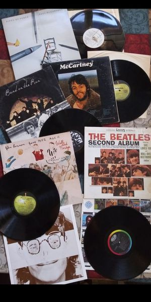 Awesome Collection of BEATLES JOHN LENNON PAUL MCCARTNEY Vinyl Albums for Sale in San Bernardino, CA