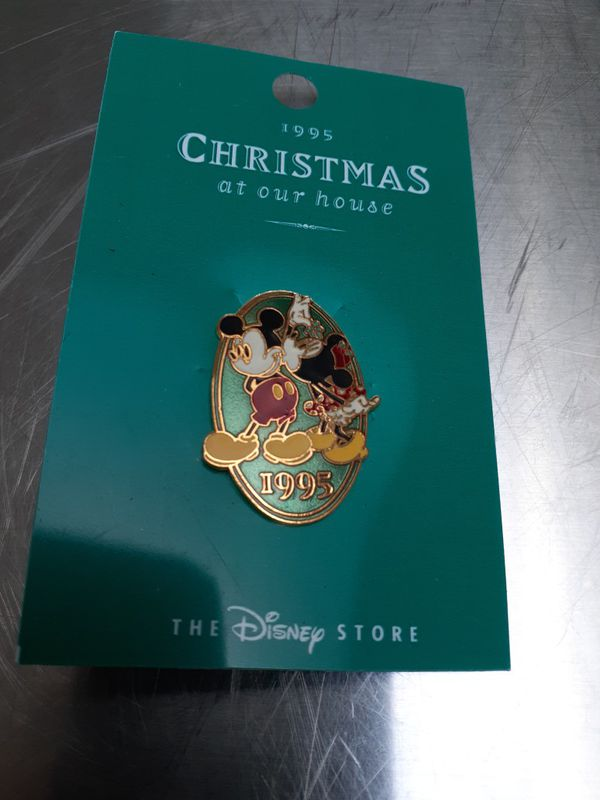 1995 DISNEY CHRISTMAS PIN