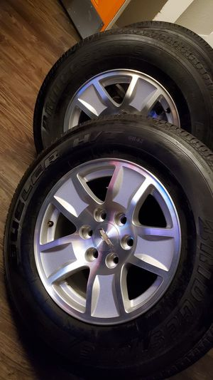 "17"" chevy 6 lug wheels (silver and black sets) for Sale in Dallas, TX"