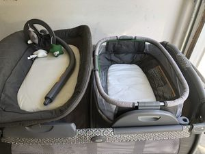 Graco Pack 'n Play with Bassinet/rocker and Changing Station for Sale in Orange, CA
