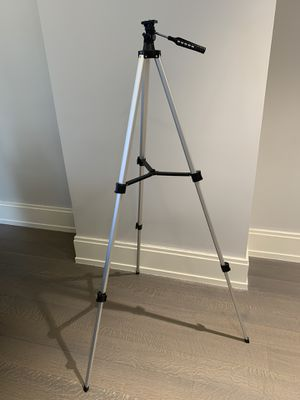 Extendable Camera Tripod for Sale in New York, NY