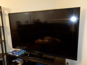 60 inch Element TV for Sale in San Diego, CA