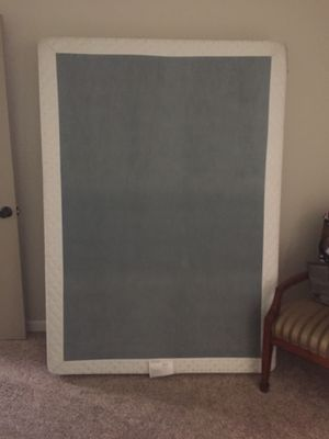 Free full size box spring for Sale in Peoria, AZ
