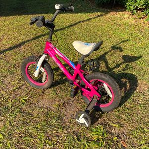 Little girls bike, in decent shape for Sale in Dover, FL